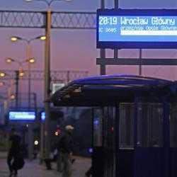 Tablica_peronowa_dwustronna_LED_informacyjna_zewnętrzna_2